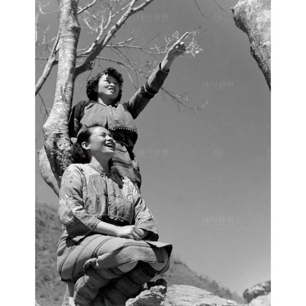 Chen, Geng-bin, Mountain Girl, Giclee