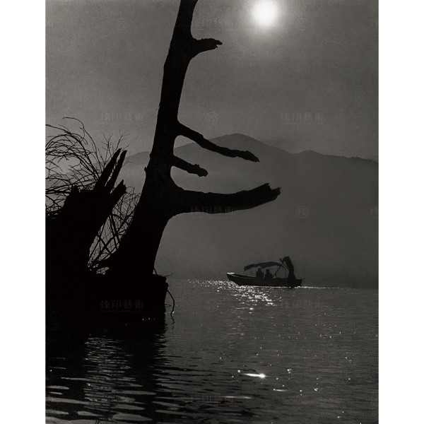 Chen, Geng-bin, Misty Moon Shadows on the Bow of the Ship, Giclee